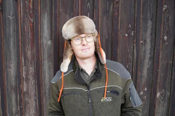 Chapka / Mütze mit Ohrklappen aus geschorenem Fuchsfell signalorange